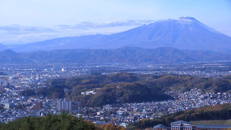 岩山展望台からの岩手山 1365 X 768